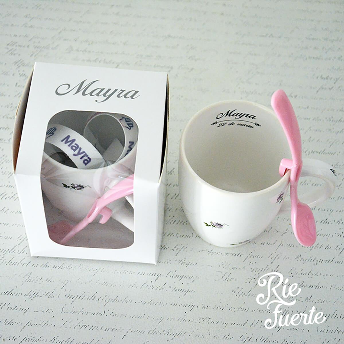 Bat Mitzva Mayra Taza de porcelana con cuchara de plastico de color y caja personalizada con nombre A